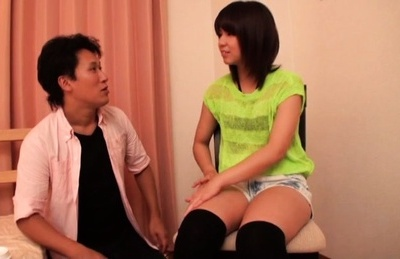 Sexy Japanese AV girl gets fucked in a cosmetic salon