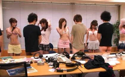 Yuu Hinouchi Hot Asian model gets a penetration and a cum load